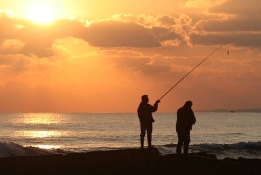 Alternative Activities like fishing at the Deluxe Surfhouse Portugal Algarve