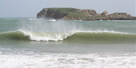winter surf Portugal, Algarve, best waves, barrels, surf rentals