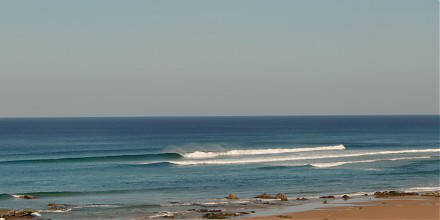 Secret surf Portugal, Algarve, surf camp, surf guiding, uncrowded waves, advanced surfer